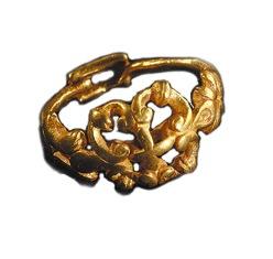 Orval, Les Pleines  (Manche).Bague en or. ( Musée de Normandie, Ville de Caen/J.-M.Yvon.)