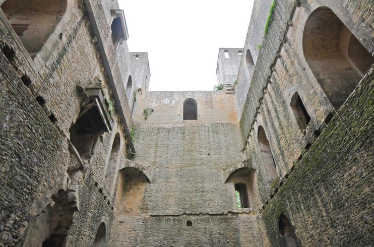 Intérieur du donjon de Chambois. (Photo Rodolphe Corbin © Patrimoine Normand)