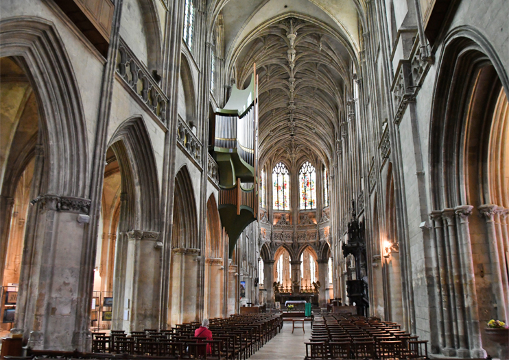 Caen - l'église Saint-Pierre. (Photo Rodolphe Corbin © Patrimoine Normand.)