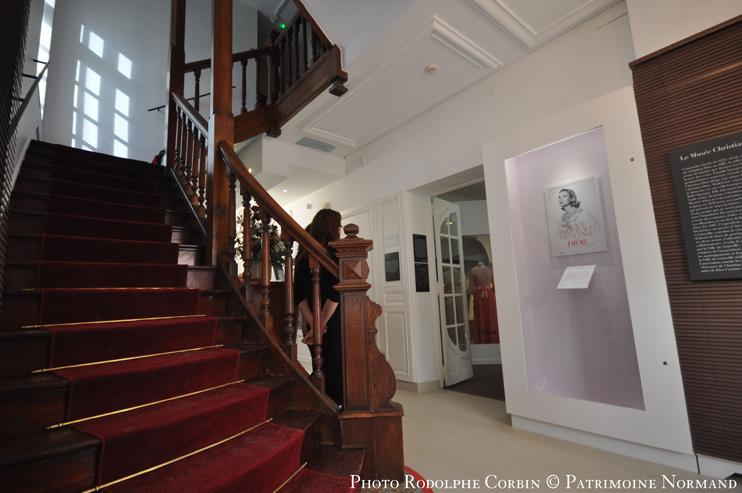 L'exposition « Grace de Monaco, princesse en Dior » au musée Christian-Dior, Granville (Photo Rodolphe Corbin © Patrimoine Normand).