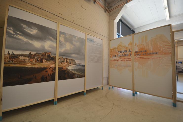 L'exposition « Tous à la plage ! Villes balnéaires du XVIIIe siècle à nos jours » au Pavillon, Caen (Photo Rodolphe Corbin © Patrimoine Normand).