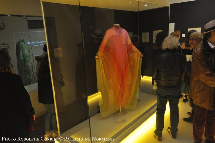 L'exposition « Grace de Monaco, princesse en Dior » au musée Christian-Dior, Granville - Une Garde robe de princesse (Photo Rodolphe Corbin © Patrimoine Normand).