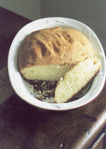 La pâte doit être bien aérée. (Photo Georges Bernage © Patrimoine Normand.)