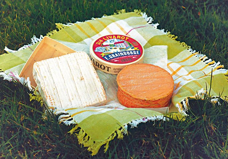 Camembert, livarot, pont-l'évêque et d'autres, autant de goûts normands à protéger. (Photo Éric Bruneval © Patrimoine Normand.)