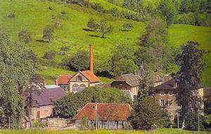 Une fabrique de camembert des années 1930 - Le domaine de Montaudin Pays d'Auge (musée des techniques fromagères).