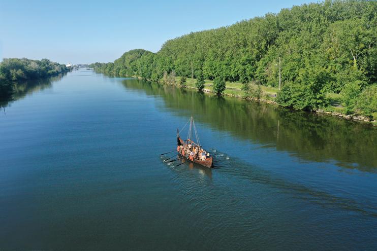 Le Langvin sur le canal de lOrne. (Photo Rodolphe Corbin Patrimoine Normand)