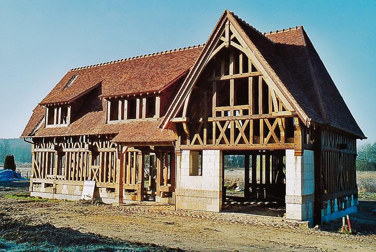 Le squelette en bois dune maison traditionnelle