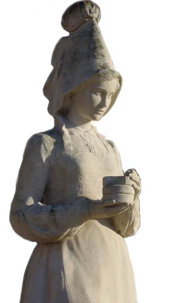 Statue de Marie Harel à Camembert (Photo Éric Bruneval © Patrimoine Normand).