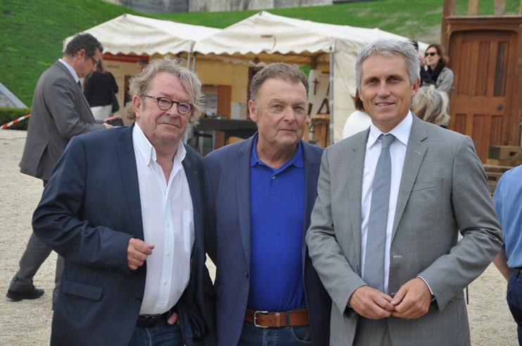 Michel de Decker, Laurent Corbin (rédacteur en chef du magazine Patrimoine Normand), Joël Bruneau (maire de Caen) (© Rodolphe Corbin).