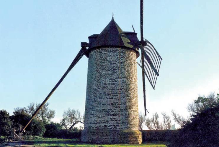 Moulin à vent de Saint-Vaast-la-Hougue
