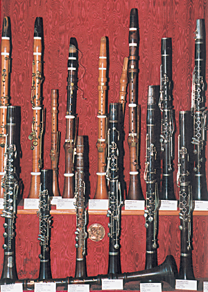 Musée de la Couture-Boussey. Variations de clarinettes. (Photo Éric Bruneval © Patrimoine Normand).