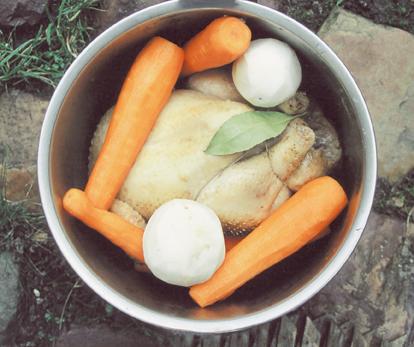 Tradition culinaire normande - Ingrédients de la poule au blanc. (Photos Érik Groult © Patrimoine Normand.)