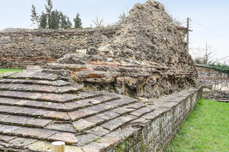 Le programme de travaux à venir concerne la préservation de trois murs imposants du théâtre qui n'ont pas fait l'objet de restauration lors de la campagne de 2012. (© Fondation du patrimoine)