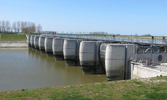Le barrage sur le Couesnon (© Stéphane William Gondoin).